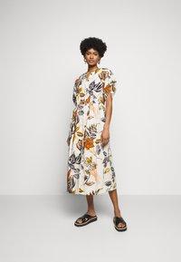 Marc Cain - Maxi šaty - cashew - 0