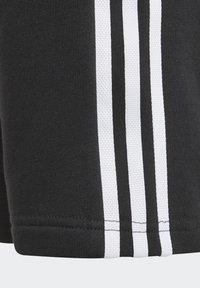 adidas Originals - ADICOLOR - Shorts - black/white - 4