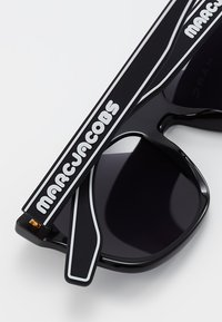 Marc Jacobs - Solbriller - black - 4