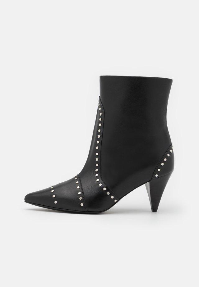 PINTO - Korte laarzen - black