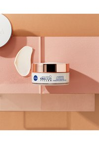 Nivea - HYALURON CELLULAR FILLER + ELASTICITY RESHAPE DAY CREAM - Crema da giorno - - - 5