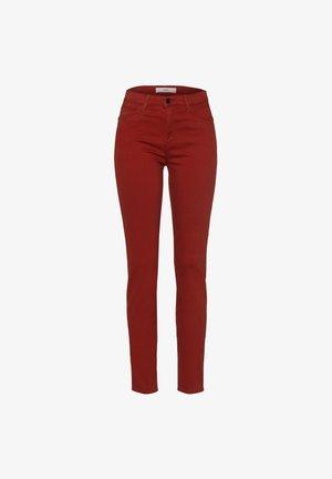 STYLE SHAKIRA - Jeans Skinny - cinnamon
