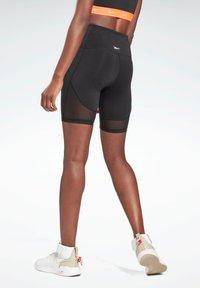 Reebok - STUDIO SHORT LEGGINGS - Shorts - black - 2