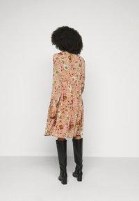 Vero Moda Petite - VMCILLE DRESS  - Day dress - auburn - 2