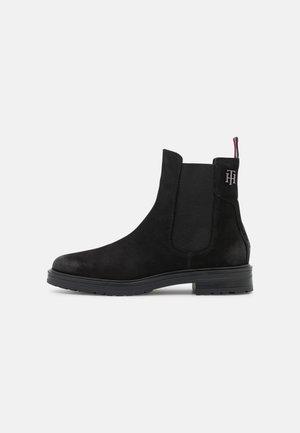 STUD FLAT BOOT - Korte laarzen - black