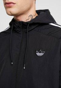 adidas Originals - OUTLINE WINDBREAKER JACKET - Let jakke / Sommerjakker - black - 5