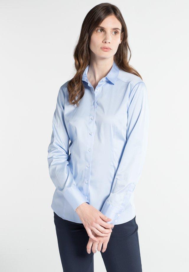 SLIM FIT - Button-down blouse - hellblau