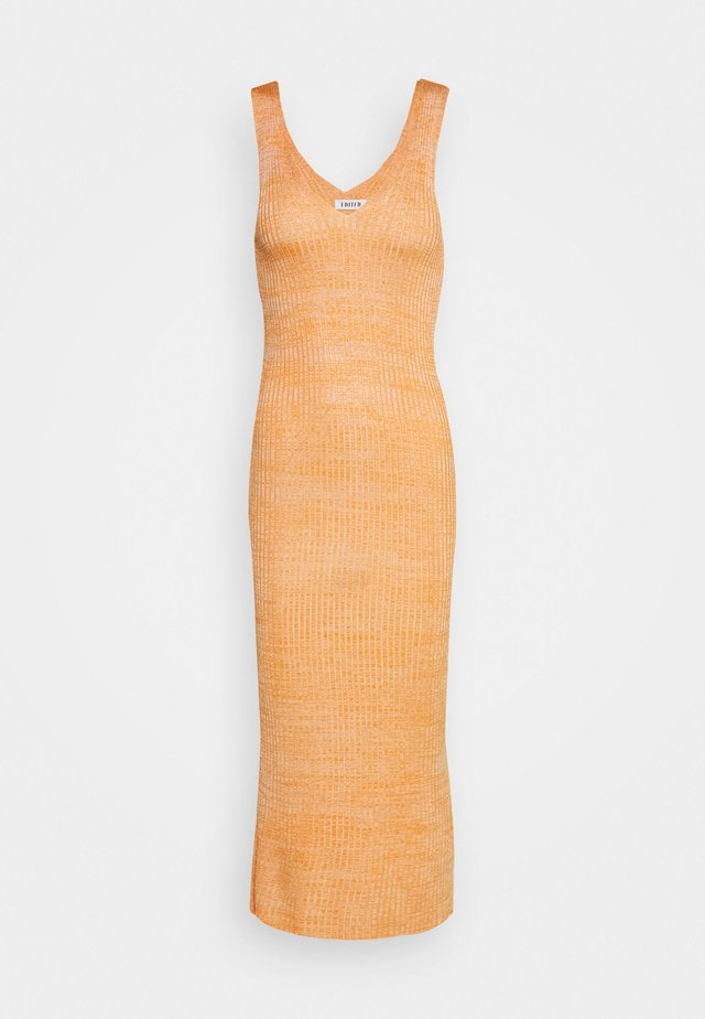 ELANOR DRESS - Strikkjoler - orange/beige