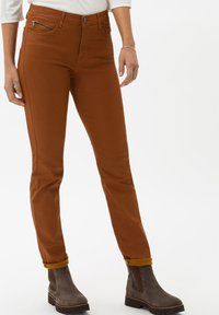 BRAX - STYLE SHAKIRA - Jeans Skinny Fit - clean amber - 0
