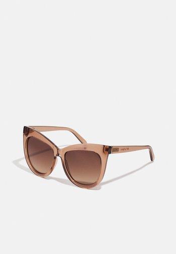 HIDDEN TREASURE - Sunglasses - tan