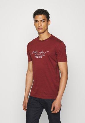 T-shirt print - mattone