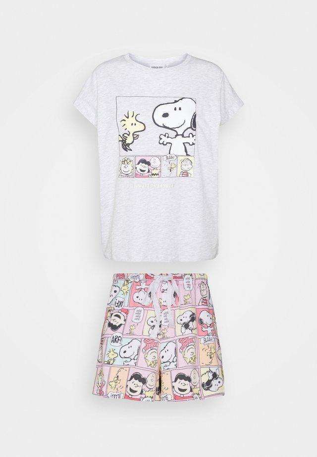 CALL - Pyžamo - bubble gum