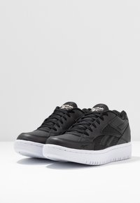 Reebok Classic - COURT DOUBLE MIX - Trainers - black/white/panton - 4