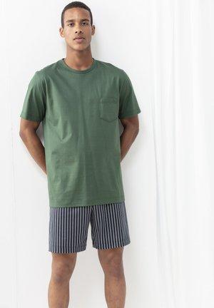 Pyjamas - green garden