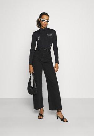 STREETSTYLE BODY - Camiseta estampada - black