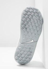 Nike Performance - TIEMPO JR LEGEND 8 ACADEMY TF UNISEX - Astro turf trainers - white/chrome/pure platinum/metallic silver - 5