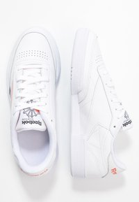 Reebok Classic - CLUB C 85 LIGHT LEATHER UPPER SHOES - Sneakers basse - white/black/rosett - 3