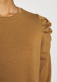 ONLY - ONLVIOLA DRESS - Robe en jersey - rubber - 6