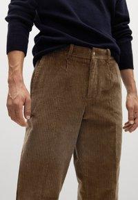 Mango - AUS CORD - Trousers - tobacco-braun - 3