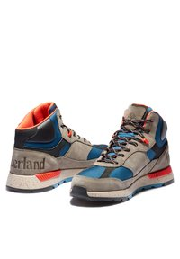 Timberland - FIELD TREKKER - Lace-up ankle boots - md grey suede - 2