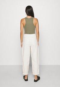 Topshop - ELLA MENSY - Relaxed fit jeans - ecru - 2