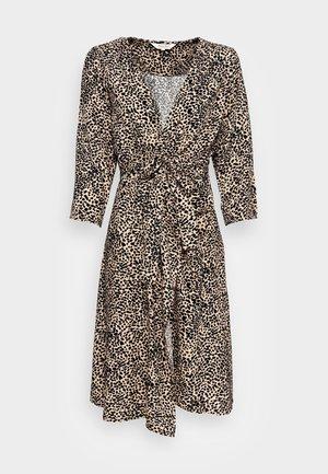 KEINA - Denní šaty - cement leo