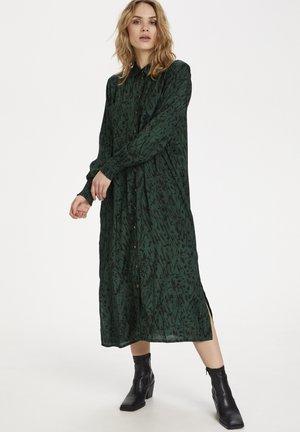 KANAOMI  - Shirt dress - dark green/black stroke print
