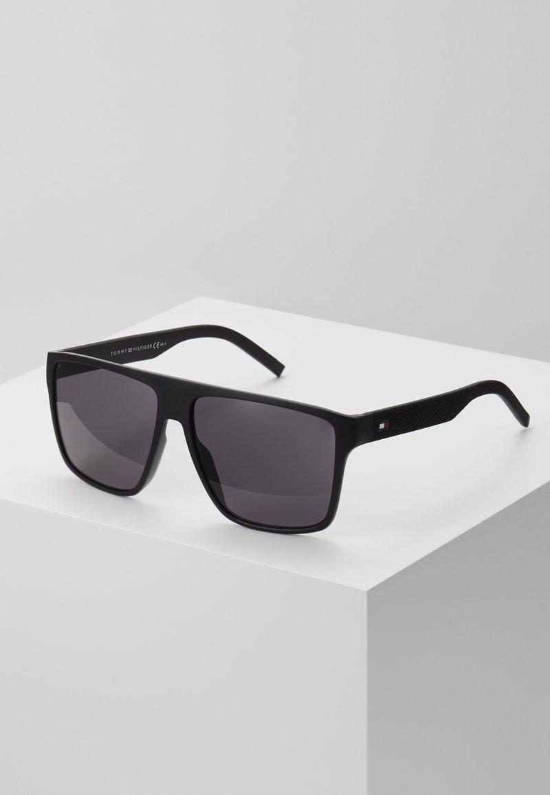 Tommy Hilfiger - Solglasögon - matte black