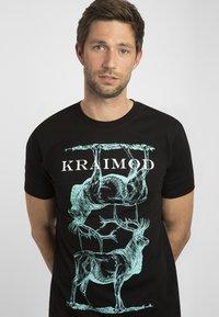 Apart - MIT DRUCK - Print T-shirt - schwarz - 3