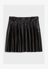Bershka - MIT KELLERFALTEN - Pleated skirt - black - 4