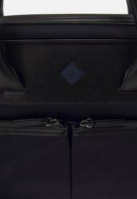 Hackett London - GATES SINGLE DOC - Across body bag - navy/black - 5