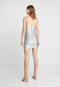 Bec & Bridge - LADY SPARKLE MINI DRESS - Cocktailklänning - metallic - 2
