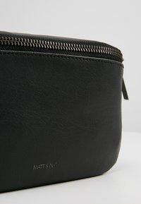 Matt & Nat - VIE - Bum bag - black - 6