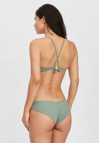 O'Neill - Bikini top - light green - 2
