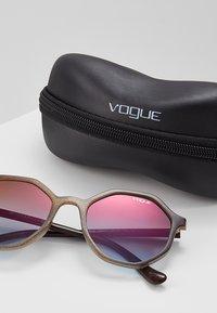 VOGUE Eyewear - Sunglasses - opal beige - 3