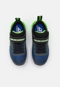 Skechers - THERMOFLUX 2.0 - Tenisky - black/blue/lime/charcoal - 3