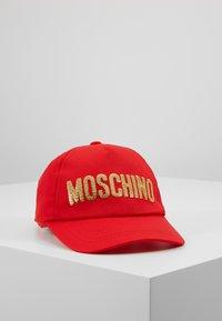 MOSCHINO - HAT - Gorra - poppy red - 0