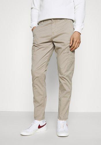 PANTS - Cargo trousers - light grey