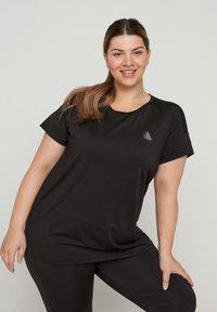 Active by Zizzi - Print T-shirt - black - 0
