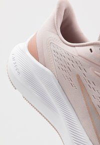 Nike Performance - ZOOM WINFLO  - Neutral running shoes - barely rose/metallic red bronze/stone mauve/metallic silver - 7