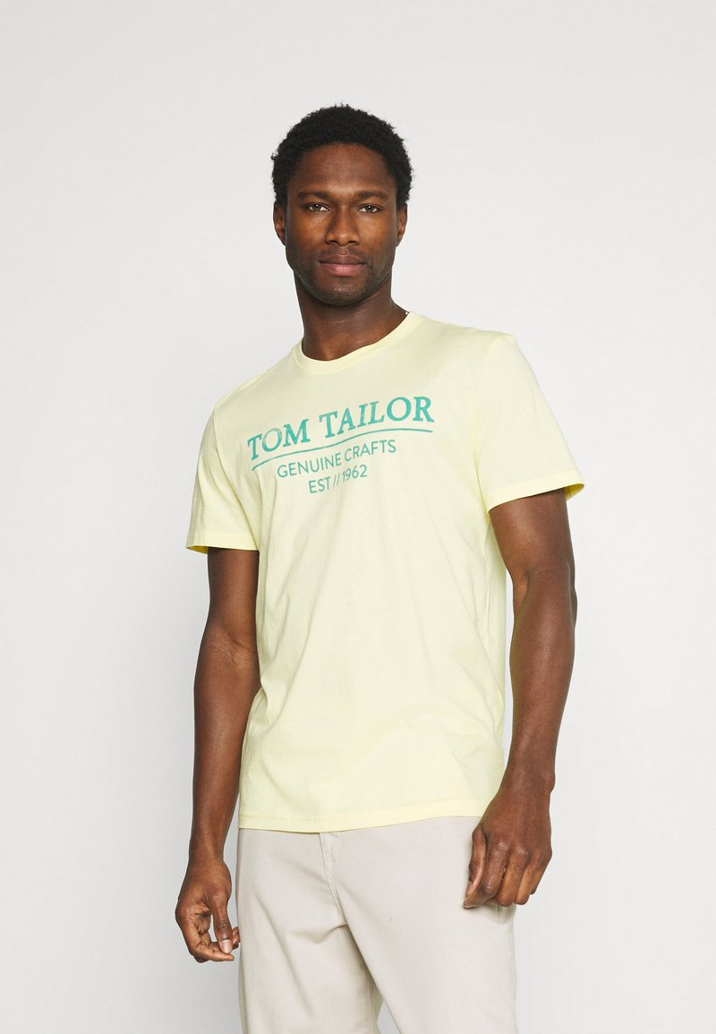 TOM TAILOR - Print T-shirt - pale straw yellow