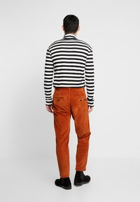 Tiger of Sweden Jeans - BRYN - Trousers - desert clay - 2