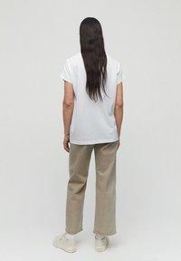 ARMEDANGELS - IDAA  - Basic T-shirt - white - 2