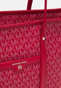 MICHAEL Michael Kors - BECK TOTE - Kabelka - bright red - 4