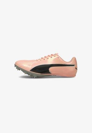 Chaussures à crampons - elektro peach-black-silver