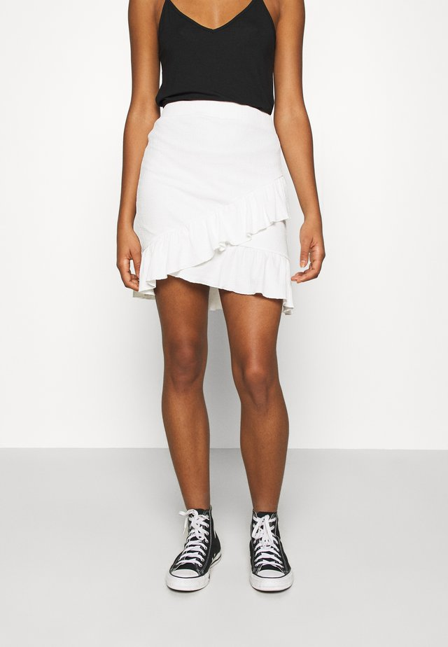 FRILL STRUCTURED SKIRT - Miniskjørt - white