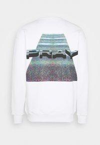 PRAY - UNISEX NO SIGNAL LONG SLEEVE - Sweatshirt - white - 1