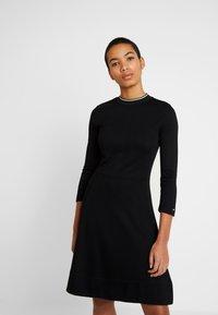 Calvin Klein - 3/4 SLEEVE DRESS - Sukienka z dżerseju - black - 0