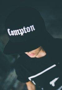 Flexfit - COMPTON - Cap - black - 0