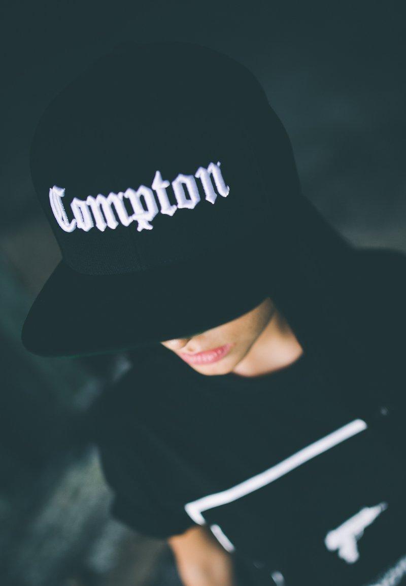 Flexfit - COMPTON - Cap - black